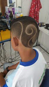 corte de cabelo com desenho fretyles