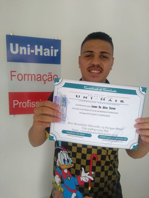 Curso Online de Instrutores de Cabeleireiros e Barbeiros ,Aluno Lucas Torres.
